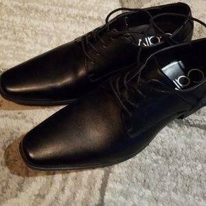 Calvin Klein mens dress shoes 9.5